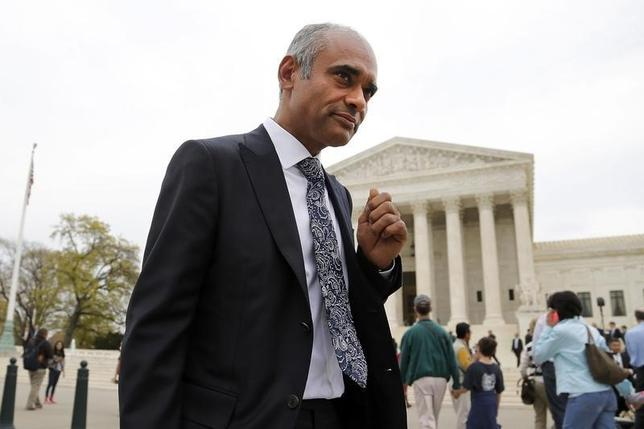 Aereo CEO and Founder Chet Kanojia departs the U.S. Supreme Court in Washington April 22, 2014. REUTERS/Jonathan Ernst/Files