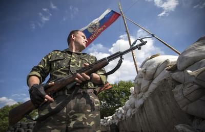 West renews Russia sanctions threat as Ukraine ceasefi...