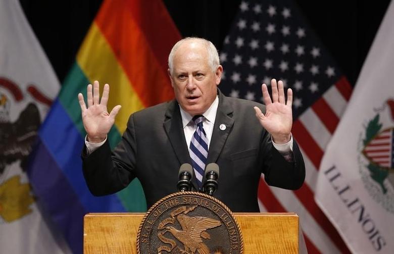 Illinois Governor Pat Quinn speaks before signing the Religious Freedom and Marriage Fairness Act at a ceremony in Chicago, Illinois, November 20, 2013. REUTERS/Jim Young