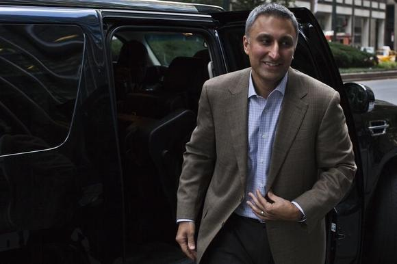 Mike Gupta, Twitter's chief financial officer, leaves JP Morgan headquarters after a meeting, before the firm's IPO in New York, October 25, 2013. REUTERS/Eduardo Munoz/Files