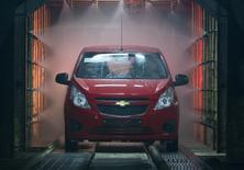 General Motors va rappeler 27.051 mini-citadines Spark en Corée du Sud en raison d'un défaut du support de transmission, dernier en date d'une longue série de rappels du constructeur automobile américain dans le monde. /Photo d'archives/REUTERS/Shamil Zhumatov
