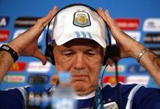 Técnico argentino Sabella concede entrevista em Brasília.      REUTERS/David Gray