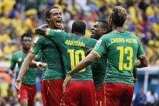 Jogador de Camarões Matip comemora gol em partida contra o Brasil, em Brasília.  23/6/2014.    REUTERS/Ueslei Marcelino