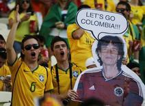 Torcida do Brasil na arena Castelão para jogo da seleção contra a Colômbia. 4/7/2014. REUTERS/Jorge Silva