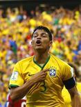 Capitão Thiago Silva durante comemoração de gol na partida contra a Colômbia, em Fortaleza.  4/7/2014.  REUTERS/Marcelo Del Pozo