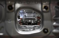 Les ventes d'Audi, filiale de Volkswagen, ont augmenté de 11,4% au premier semestre, une hausse record, en raison notamment d'une forte demande pour les modèles A3. /Photo d'archives/REUTERS/Michaela Rehle