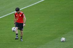 Técnico da Alemanha, Joachim Loew, durante treino em Belo Horizonte. 07/07/2014.   REUTERS/Leonhard Foeger