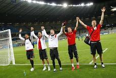 Jogadores da Alemanha comemoram classificação à final da Copa do Mundo. 08/07/2014. REUTERS/Kai Pfaffenbach