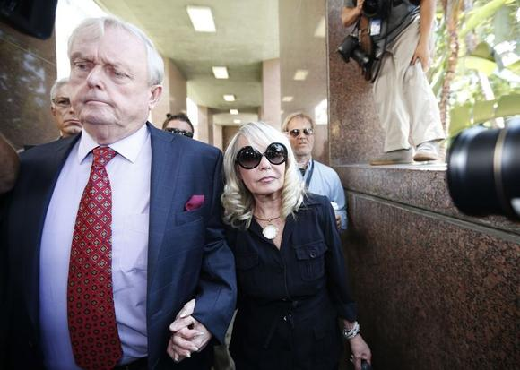 Shelly Sterling (R), 79, arrives at court with her lawyer Pierce O'Donnell in Los Angeles, California July 8, 2014. REUTERS/Lucy Nicholson