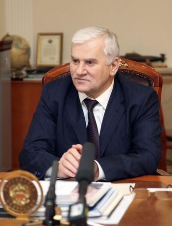 Mayor of Makhachkala Said Amirov speaks at his office in Makhachkala April 25, 2013.  REUTERS/Stringer