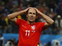 Holandês Arjen Robben reage após perder oportunidade em partida contra a Argentina, na Arena Corinthians, em São Paulo. 9/8/2014 REUTERS/Michael Dalder