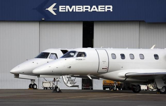 Private jets are seen at the Embraer headquarters in Sao Jose dos Campos, 100 km (62 miles) from Sao Paulo May 14, 2013.  REUTERS/Nacho Doce