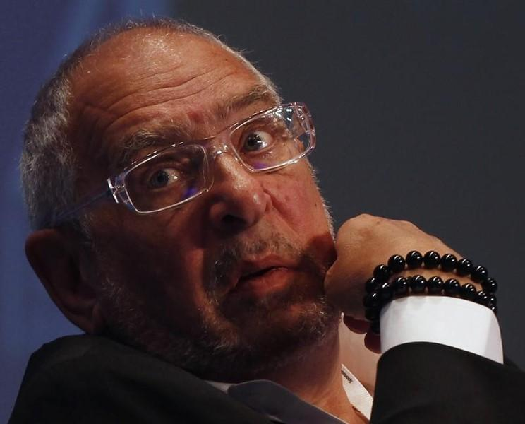 Richard Elman, chairman of Noble Group, looks on during the Asian Financial Forum in Hong Kong January 17, 2012.  REUTERS/Bobby Yip