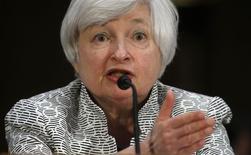 Chair do Federal Reserve Bank dos EUA, Janet Yellen, durante audiência pública no Senado norte-americano, em Washington. 15/06/2014. REUTERS/Kevin Lamarque