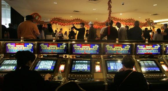 Italy's GTECH to buy U.S. slot machine maker IGT in $6.4 ...