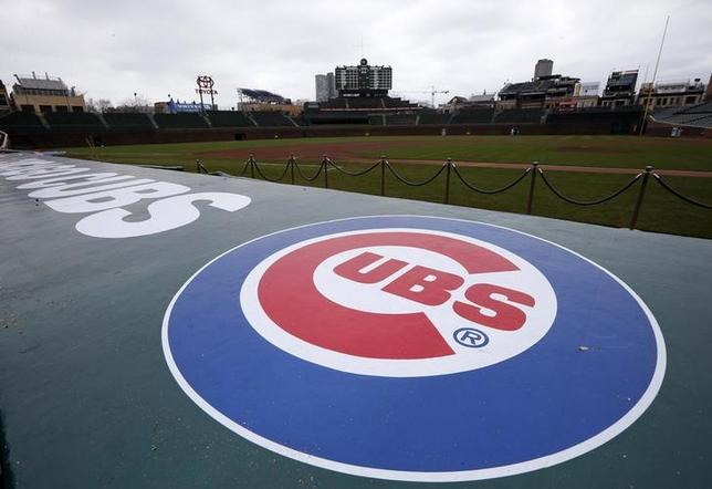 The Chicago Cubs logo is seen at the Wrigley Field in Chicago, Illinois, April 15, 2013.   REUTERS/Jim Young