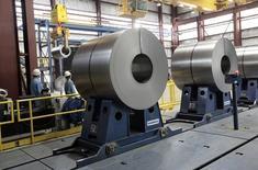 Le groupe sidérurgique russe Severstal a vendu ses filiales américaines Severstal Columbus et Severstal Dearborn, pour 2,3 milliards de dollars (1,7 milliard d'euros), respectivement à Steel Dynamics et AK Steel. /Photo d'archives/REUTERS/Rebecca Cook