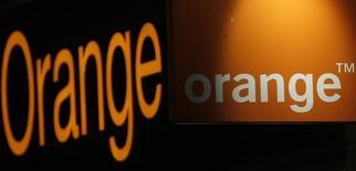 Orange est une des valeurs à suivre jeudi à la Bourse de Paris après l'annonce qu'il n'entend pas vendre Mobistar, l'opérateur mobile belge dont il est le premier actionnaire. /Photo d'archives/REUTERS/Christian Hartmann