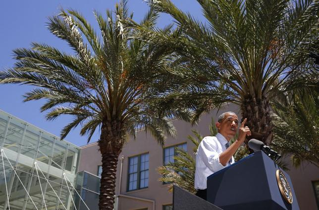 U.S. President Barack Obama speaks about education and the economy while at Los Angeles Trade Technical College in California, July 24, 2014.  REUTERS/Larry Downing