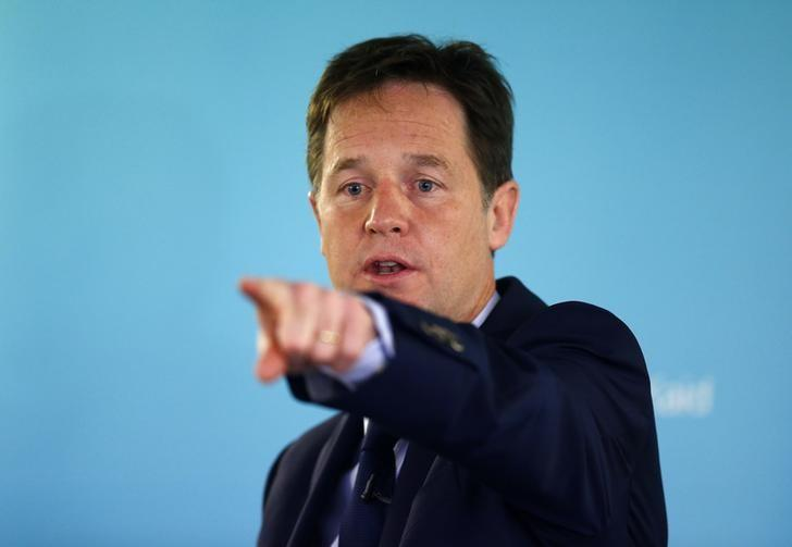 Britain's Deputy Prime Minister and leader of the Liberal Democrats, Nick Clegg, points during a question and answer session after delivering a speech on international development, in London May 28, 2014. REUTERS/Andrew Winning