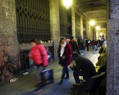 Jaded Argentines brace for looming debt default