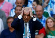 Тренер сборной Аргентины Алехандро Сабелья во время финального матча ЧМ-2014 против Германии в Рио-де-Жанейро 13 июля 2014 года. Алехандро Сабелья решил покинуть свой пост, сообщили местные СМИ. REUTERS/Eddie Keogh