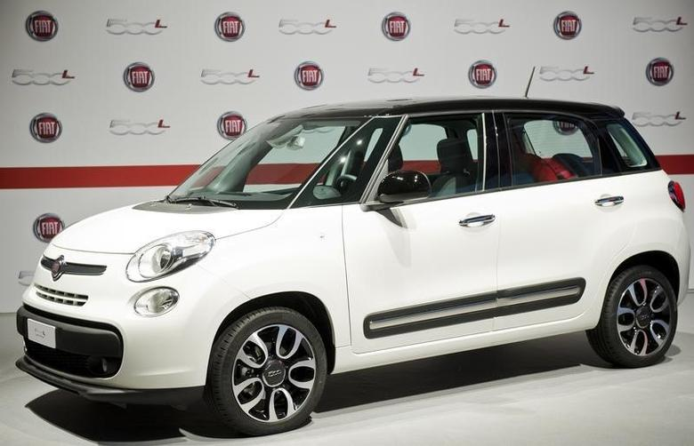 The new Fiat 500L car is seen during its official presentation in downtown Turin July 3, 2012. REUTERS/Giorgio Perottino