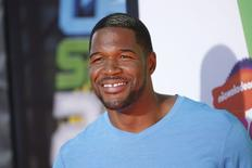 Former NFL player Michael Strahan poses at the 2014 Nickelodeon Kids' Choice Sports awards in Los Angeles July 17, 2014.   REUTERS/Danny Moloshok