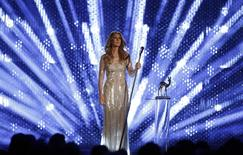 Canadian singer Celine Dion receives the trophy for 'Entertainment' during the Bambi 2012 media awards ceremony in Duesseldorf in this file photo from November 22, 2012.   REUTERS/Lisi Niesner/Files (GERMANY  - Tags: ENTERTAINMENT)