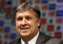 Técnico Martino concede entrevista em Buenos Aires nesta quinta-feira.       REUTERS/Enrique Marcarian