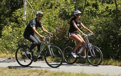 After crisis-filled start, Obama's vacation pace slows...