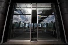 L'éditeur norvégien de logiciels Opera Software a conclu un accord avec Microsoft pour intégrer son navigateur internet dans les combinés d'entrée de gamme de la division mobile rachetée à Nokia par le géant américain. /Photo d'archives/REUTERS/Kristiina Lehto/Lehtikuva