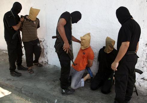 Hamas executes 'collaborators'