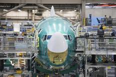 Le loueur BOC Aviation, filiale basée à Singapour de Bank Of China, a annoncé une commande de 82 appareils Boeing, dont 80 de la famille 737, d'une valeur de 8,8 milliards de dollars (6,7 milliards d'euros) aux prix catalogue. /Photo prise le 4 février 2014/REUTERS/David Ryder