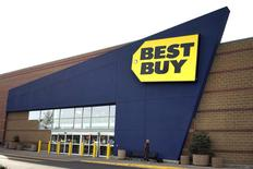 A Best Buy store is pictured in Westminster, Colorado January 16, 2014.  Best Buy Co Inc, the largest U.S. specialty retailer of consumer electronics, reported lower-than-expected quarterly revenue for the third straight quarter, citing a drop in traffic in its stores as more people shop online, August 26, 2014.  REUTERS/Rick Wilking/Files