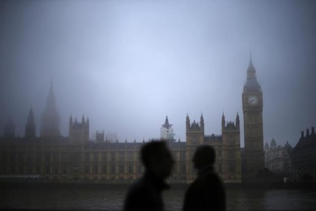 9月1日、英政府報道官は、住民投票でスコットランド独立賛成が反対を上回る結果が出た場合に備えて対策を講じていないと述べた。写真は霧のロンドン。2013年9月撮影(2014年 ロイター/Andrew Winning)