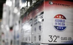 Caixas de TVs produzidas nos EUA em um armazém da Element Electronics em Winnsboro, no Estado da Carolina do Sul, nos EUA. 29/05/2014.  REUTERS/Chris Keane