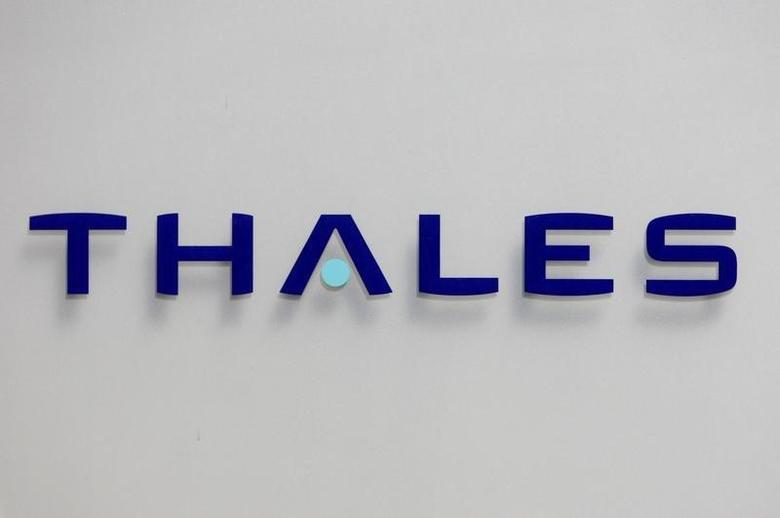 The logo of French defence and electronics group Thales is seen at the company's headquarters in Neuilly, near Paris,  May 20, 2008.   REUTERS/Charles Platiau