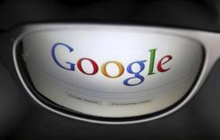 Google a annoncé le rachat de Lift Labs, un fabricant de cuillères anti-tremblements qui aident des personnes souffrant de la maladie de Parkinson à manger. Il s'agit de la dernière acquisition en date du géant de l'internet dans le secteur de la santé et des biotechnologies. /Photo d'archives/REUTERS/François Lenoir