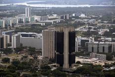 Vista aérea de la oficina principal del Banco Central de Brasil en Brasilia. Imagen de archivo, 20 junio 2014. Vista aérea de la oficina principal del Banco Central de Brasil en Brasilia REUTERS/Ueslei Marcelino