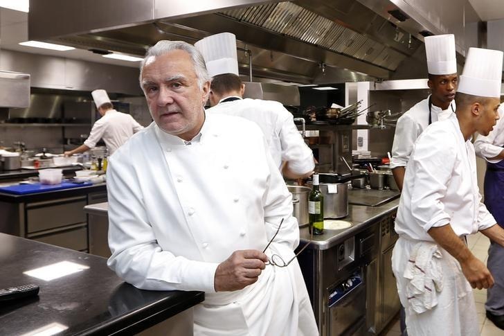 French chefs seek to put banned songbird back on menu for Alain karsenty cuisine
