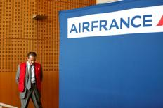 Chairman and CEO of Air France-KLM Alexandre de Juniac is seen during a news conference at the Air France headquarters at the Charles de Gaulle International Airport in Roissy, near Paris on the third day of an Air France one-week strike September 17, 2014. REUTERS/Charles Platiau