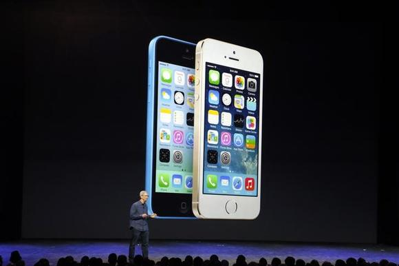Apple Chief Executive Officer (CEO) Tim Cook speaks during an Apple event to announce the iPhone 6 and the iPhone 6 Plus at the Flint Center in Cupertino, California, September 9, 2014. REUTERS/Stephen Lam