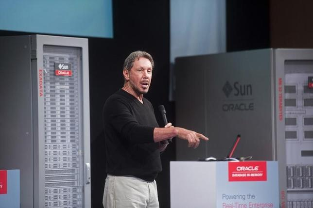 Oracle Corp Chief Executive Larry Ellison introduces the Oracle Database In-Memory during a launch event at the company's headquarters in Redwood Shores, California June 10, 2014. REUTERS/Noah Berger/Files
