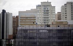 As vendas de materiais de construção acumulam queda de quase 7 por cento no acumulado do ano até agosto e a Associação Brasileira da Indústria de Materiais de Construção (Abramat) revisou a projeção de crescimento em 2014 para 0,5 por cento.      18/06/2014 REUTERS/Amr Abdallah Dalsh