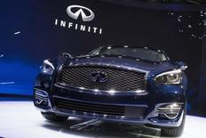 Nissan annonce la création d'une coentreprise à 50-50 avec Dongfeng Motor pour l'exploitation de sa marque de luxe Infiniti en Chine. Le constructeur automobile japonais, filiale à 43,4% de Renault, précise qu'il commencera à fabriquer des modèles Infiniti cette année en Chine. /Photo d'archives/REUTERS/Brendan McDermid