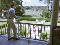 Thomas Ravenel, an independent candidate for the U.S. Senate, makes a campaign speech from the porch of his 19th century house on rural Edisto Island, South Carolina September 13, 2014.  REUTERS/Harriet McLeod