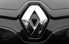 The logo of French car manufacturer Renault is seen in Strasbourg eastern France, October 25, 2012.  REUTERS/Vincent Kessler