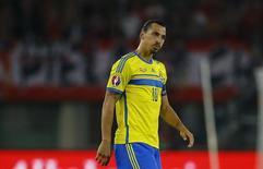 Atacante sueco Ibrahimovic em partida contra a Áustria nas eliminatórias da Eurocopa de 2016, em Viena. 08/09/2014  REUTERS/Leonhard Foeger