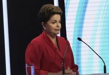 Presidente Dilma Rousseff, que disputa reeleição pelo PT, durante debate em TV em São Paulo. 28/9/2014 REUTERS/Nacho Doce